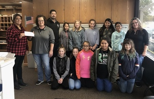 Russel Cellular Donates Money to 5th Grade